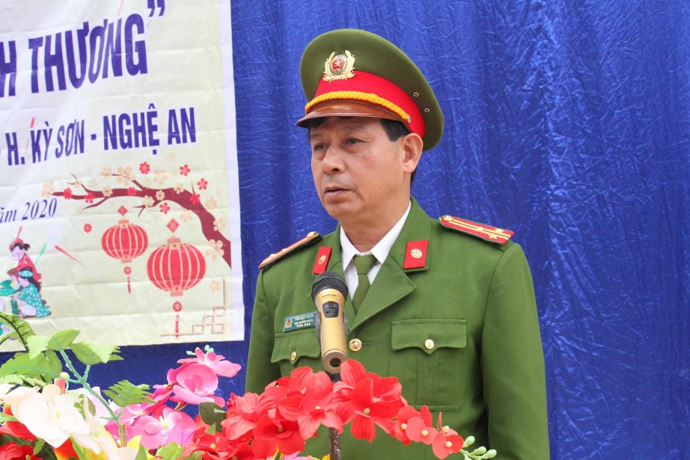 Thượng tá Đào Duy Chiến, Phó Trưởng phòng CSMT, Trưởng đoàn công tác phát biểu tại buổi lễ