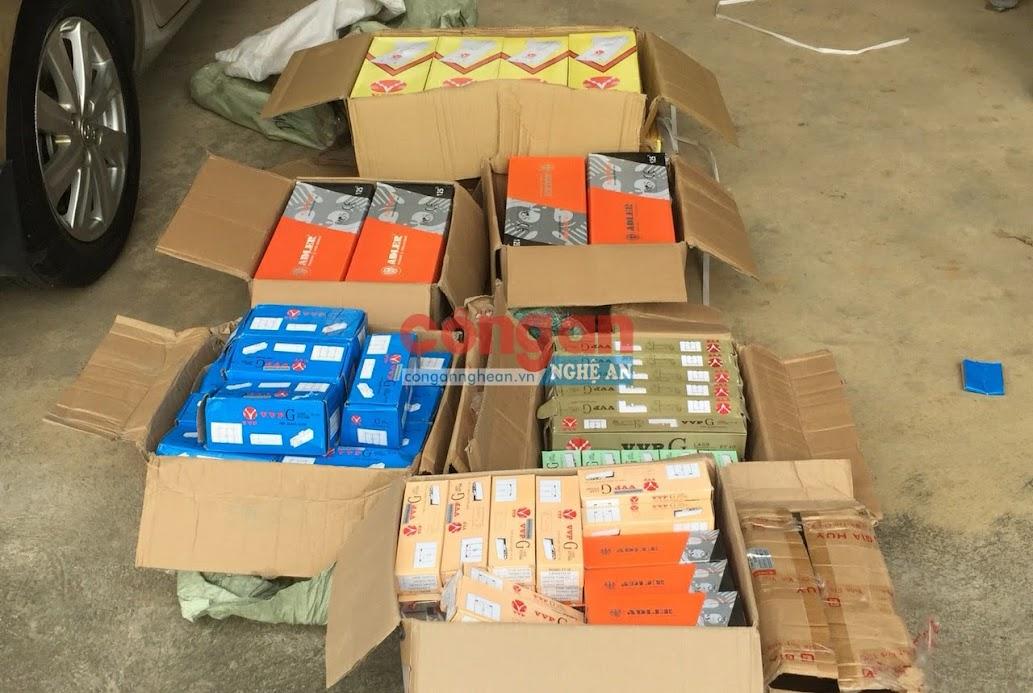Lô hàng gồm 97 chiếc bàn lê kính cường lực do nước ngoài sản xuất không rõ nguồn gốc xuất xứ bị Tổ công tác Đội Tuần tra kiểm soát giao thông đường Hồ Chí Minh (Phòng Cảnh sát giao thông) kiểm tra và bắt giữ