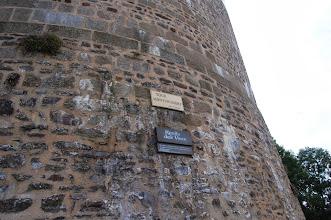 Photo: BRETANYA 2013. FOUGÈRES (FELGER en bretó ): Tour Montfromery, a Ruelle des Vaux.