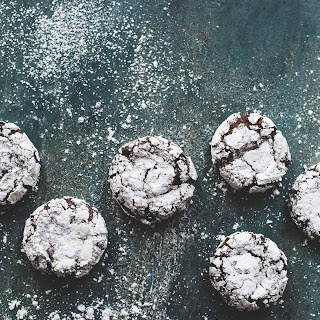 Fudgy Chocolate Peppermint Crinkle Cookies {made w/ teff flour}.