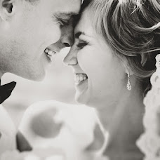 Wedding photographer Anastasiya Guseva (Fotopitoshka). Photo of 13.08.2013