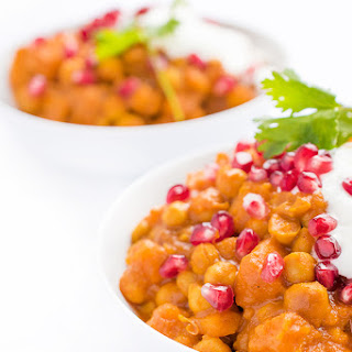 Crock-Pot® Slow Cooker Vegetarian Chickpea Curry.