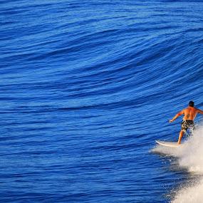 by Sandeep Kochar - Sports & Fitness Surfing