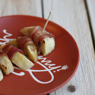 PUMPKIN SPICE BACON WRAPPED APPLES