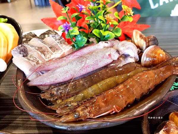 高雄海鮮火鍋 九鼎蒸霸 蒸鮮料理 公司聚餐 朋友聚會 家庭聚餐都適合