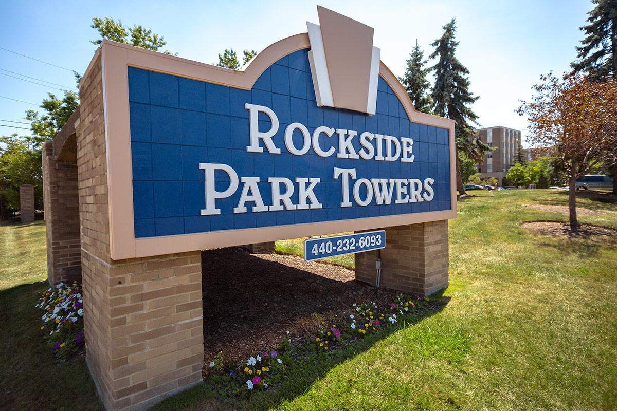 K 3 Bed 2 Bath Rockside Park Towers Apartments