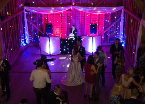 Wedding Entertainment Services In Hertfordshire | Platinum Disco
