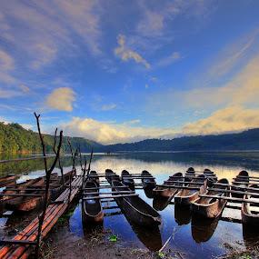 by Alit  Apriyana - Transportation Boats
