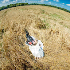 Wedding photographer Yuriy Dmitriev (Sofiastudio). Photo of 11.06.2015