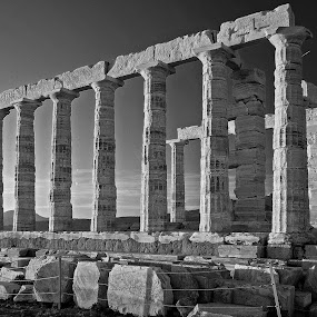 Temple of Poseidon.... by Ioannis Alexander - Black & White Buildings & Architecture ( history, temple, ancient, columns, historic,  )