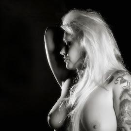 Shining Blonde by Gary Bradshaw - Nudes & Boudoir Artistic Nude