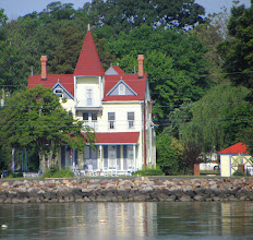 Photo: A great home on the Potomac River
