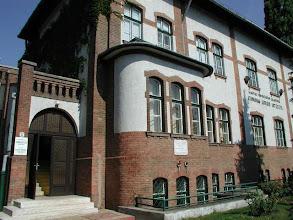 Photo: Az intézet 2010-ben volt 50 éves, így elérkezett az ideje egy korszerűsítő felújításnak, amelyet 2011-ben végeztek el http://www.atomki.hu/atomki/Kepek/foto.html