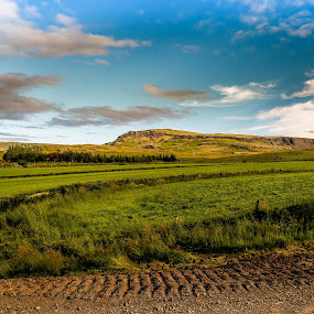 Midfell by Edvald Geirsson - Landscapes Travel ( countryside, iceland, mountain, grass, summer, landscape )