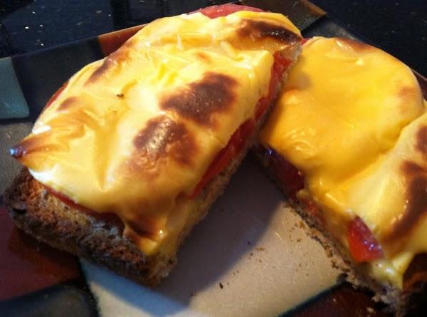 Cheesy Tomato Toast Recipe