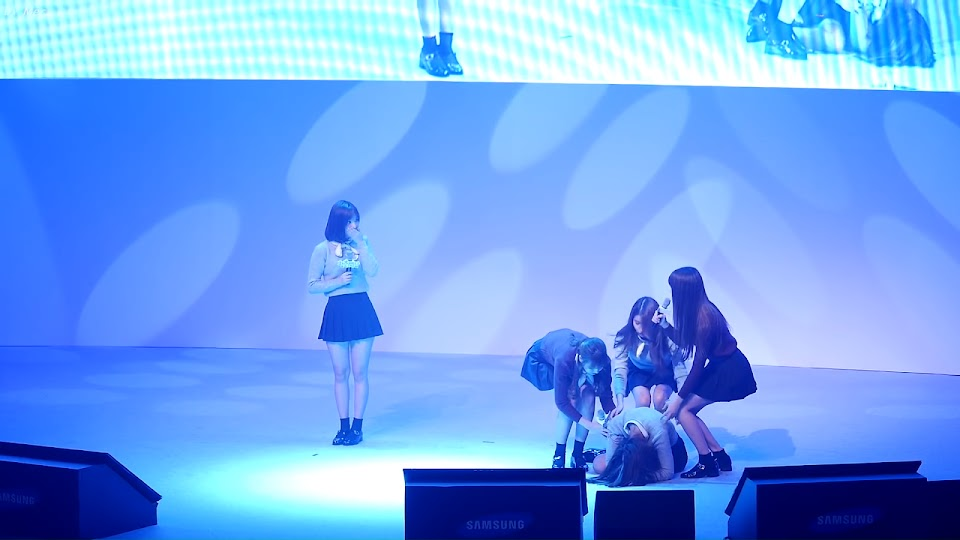 gfriend sinb faint mera youtube