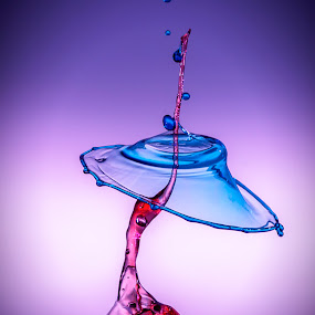by Eskil Berget - Abstract Water Drops & Splashes