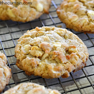Chewy White Chocolate Chip Macadamia Nut Cookies