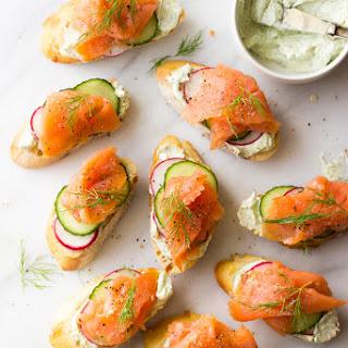 Smoked Salmon and Herb Cheese Crostini Recipe