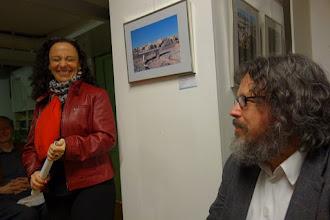 Photo: VERNISSAGE FOTOAUSSTELLUNG WERNER KAUFMANN am 12.4.2016. Olga Blanco, Univ. Prof. Dr. PeterReichl.  Foto: Peter Skorepa