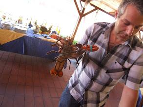"""Photo: ... und ein hervorragendes Restaurant, in das Claudio seine """"beiden Frauen"""" zum Mittagessen ausführt."""