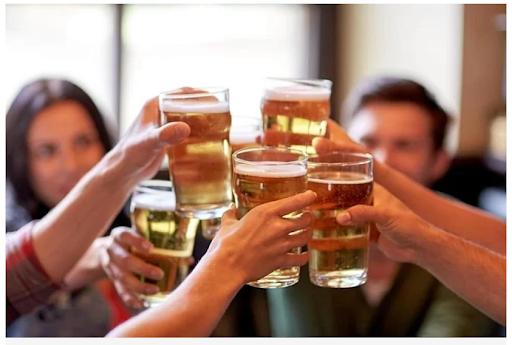 Đàn ông nên ngừng uống rượu 6 tháng trước khi thụ thai