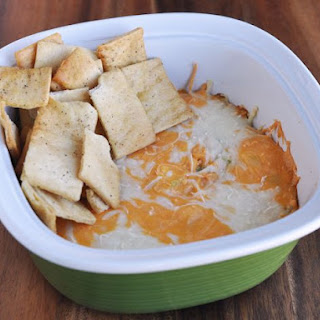 LIGHT Cheesy Buffalo Chicken Dip