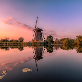 Sunset windmills Kinderdijk by Henk Smit - Buildings & Architecture Public & Historical (  )