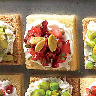 Cranberry-Goat Cheese Canapés