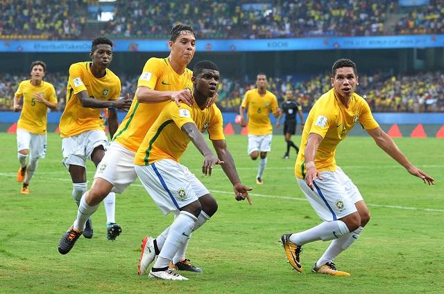 Lucianinho thần đồng bóng đá