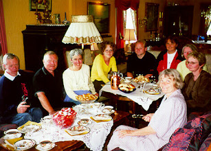Photo: Cousins Ingvar Stenersen,Tor and MaritVik with family.
