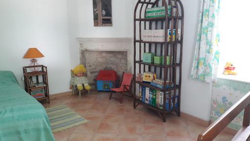 B&B Cottage at Le Clos de la Garenne guest house for a family of 3 : child's bedroom