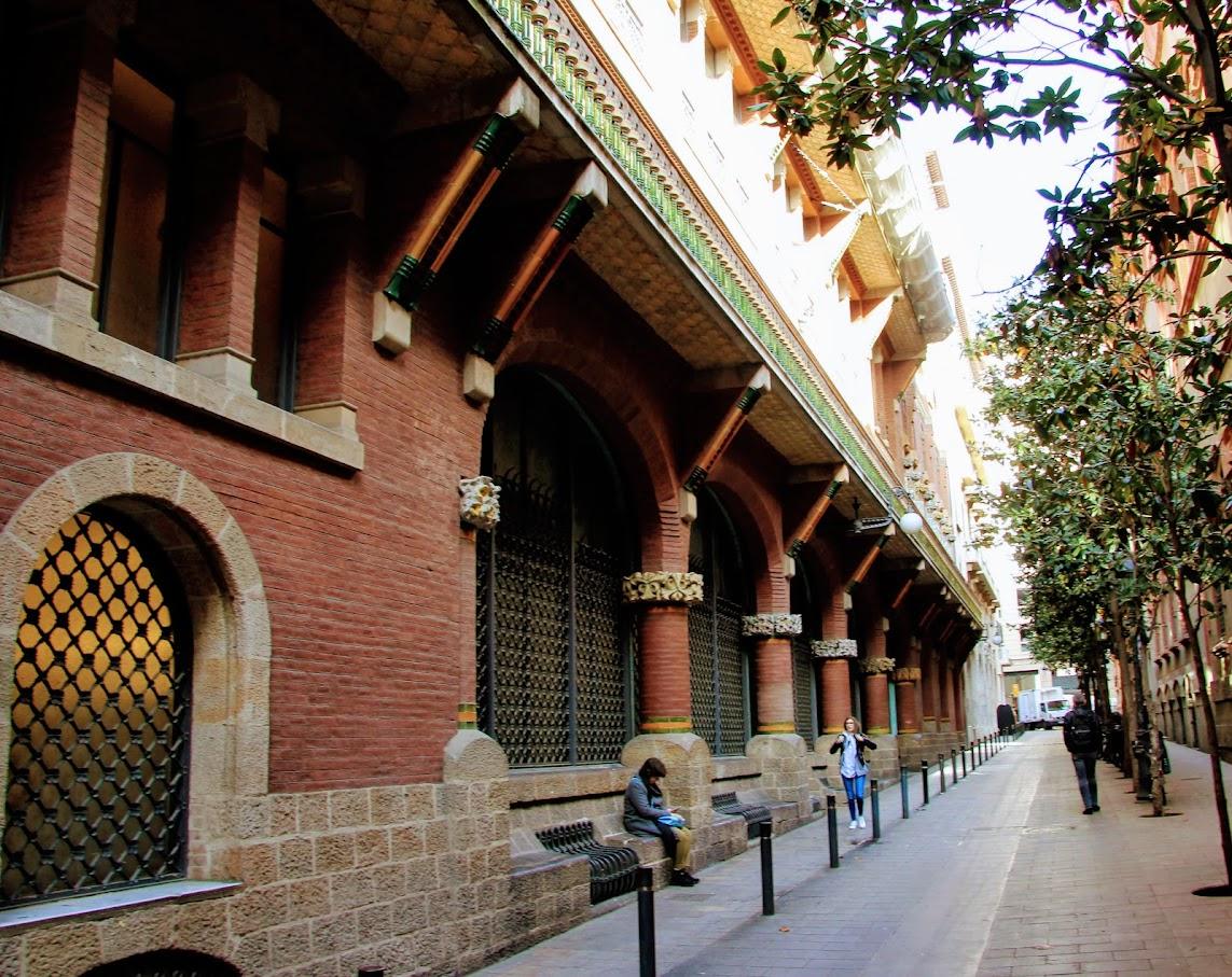 Перебежками под градом, или Барселона 3,5 дня в апреле 2019