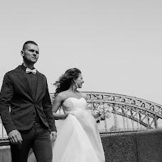 Wedding photographer Dmitriy Romanenko (Kickjump). Photo of 01.02.2016