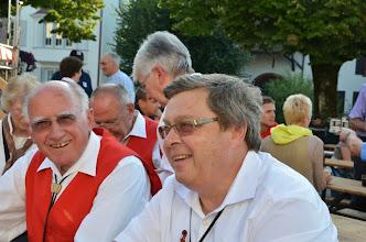 Photo: Unser Ersatzbassgeiger Fritz Müller (r).  Ein Dankeschön für sein Engagement bei uns.