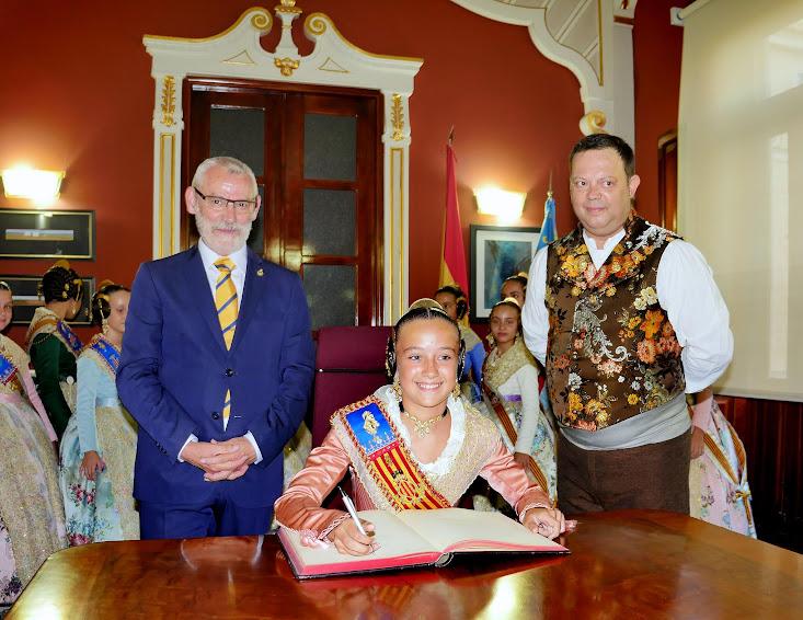 La Corte de Honor Infantil de Valencia cierra las Fiestas Mayores de Alboraya