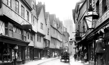 Photo: 7-FRITH-0327156 (834462)York, Low Petergate 1892 The Francis Frith Collection© F. Frith Collection / akg-images