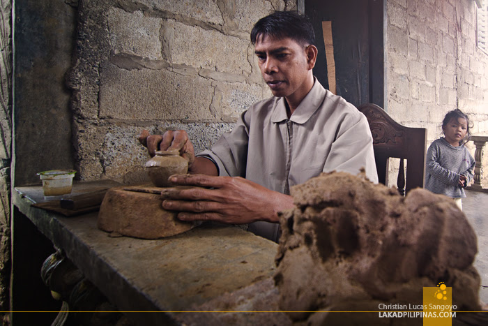 Iguig Pottery Maker