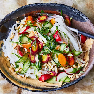 Rice Noodles with Cashew Sauce and Crunchy Veg.
