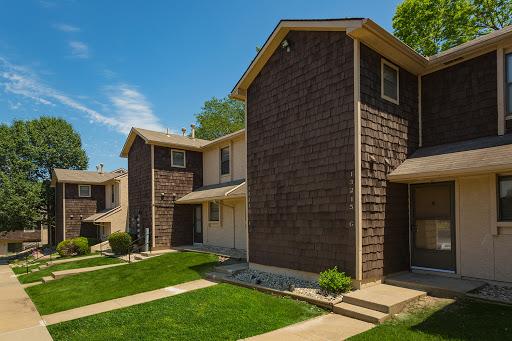 Shadow Creek Apartments In Kansas City Missouri The Yarco Companies