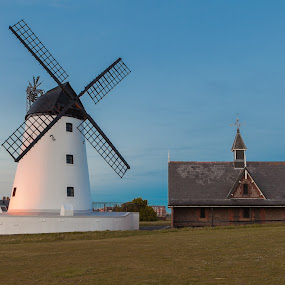 Lytham's old white windmill by Augustin Galatanu - Buildings & Architecture Public & Historical ( landmark, old, tower, lancashire, lytham, lytham green, windmill )
