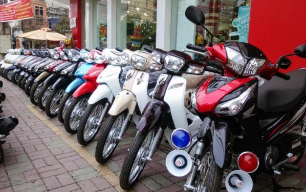 Thuê xe máy nên lựa chọn loại xe ga hay xe số