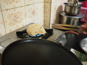 Photo: The moment Chapati is plumping on the gas  is very difficult to take picture. 19th March updated http://jp.asksiddhi.in/daily_detail.php?id=243
