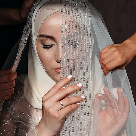 Wedding photographer Dzhamilya Damirova (jam94). Photo of 15.11.2017