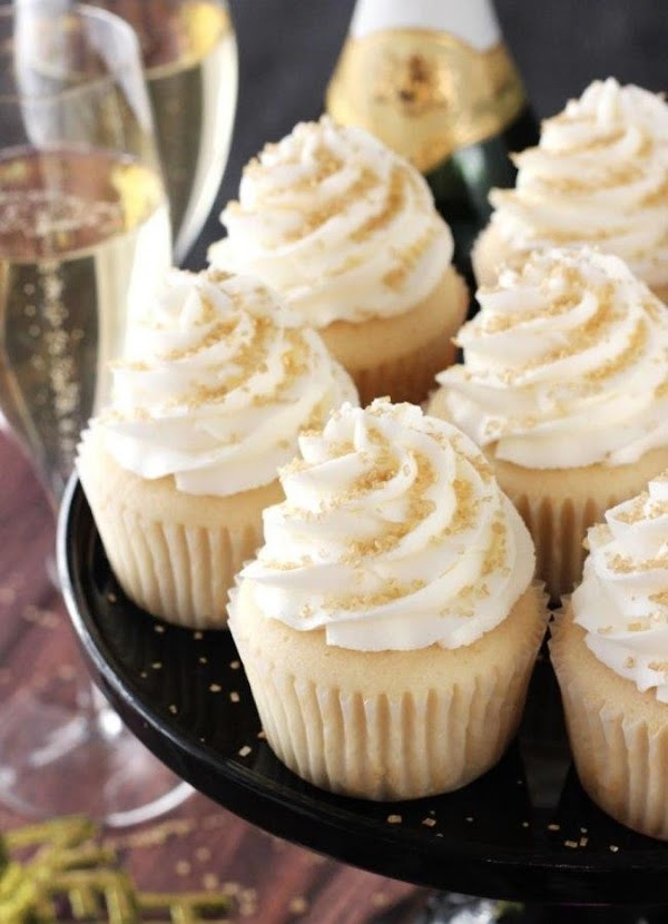 Best Easy Champagne Cupcakes Recipe