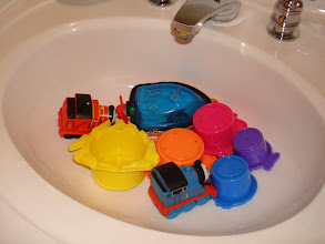Photo: The kids can play with the bath toys again, thanks to Heinz Cleaning Vinegar!