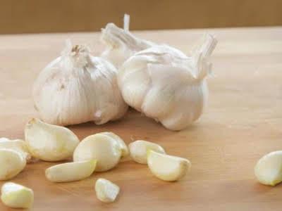 How to Peel Garlic in 20 Seconds