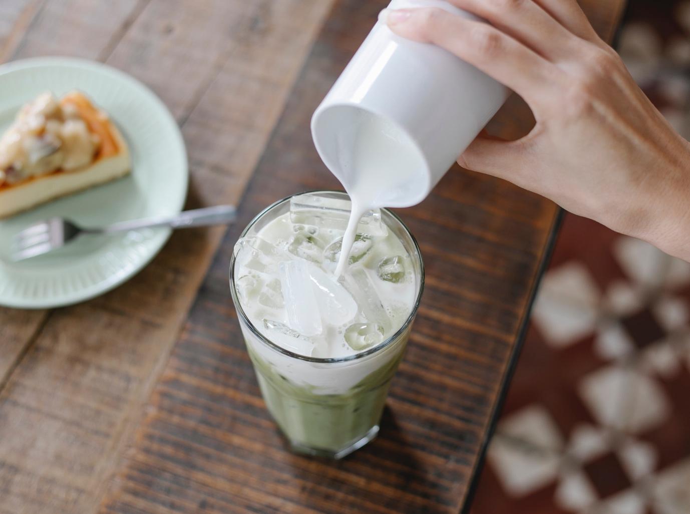benefícios do leite de aveia