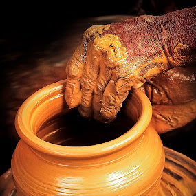 making hand by Prithiviraj Kiridarane - Products & Objects Business Objects ( hands, pottery, brown, india, people )