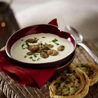 Käsesuppe mit Lauch-Speck-Schnecken